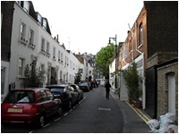 Freee London Events - Talk the walk - Kinnerton street.